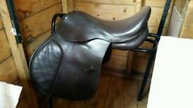 """17"""" adjustable saddle"""