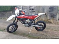 Husqvarna TE 449 supermoto road legal excellent condition low mileage