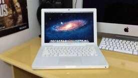 Apple Macbook White 13' Logic Pro Ableton Final Cut Pro AdobeCS6 VirtualDJ C2D@ 2.4Ghz 2GB 250GB HDD