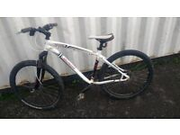 BIKE SPECIALIZED HARDROCK MOUNTAIN BICYCLE 21 SPEED DISC BRAKES 26 INCH WHEEL AVAILABLE FOR SALE