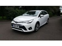 Toyota Avensis 1.6 D-4D Business Edition Touring Sports (s/s) 5dr in White Full Service History