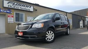 2014 Chrysler Town & Country DUAL AIR/HEAT-BACK UP CAMERA-PWR LI Windsor Region Ontario image 8