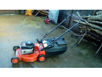 BRIGGS AND STRATTON 375 ROVER RAIDER PETROL MOWER