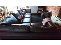 5 seater Nabru Corner Sofa in faux leather - excellent condition