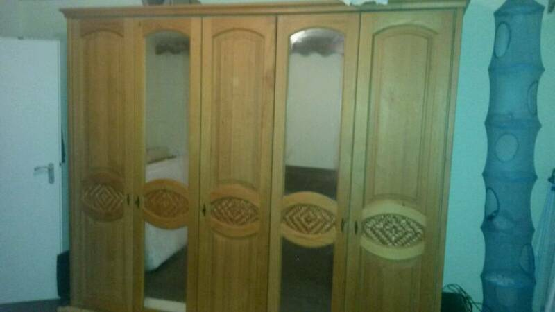 vollholz kleiderschrank 5 t ren in bayern eggenfelden ebay kleinanzeigen. Black Bedroom Furniture Sets. Home Design Ideas
