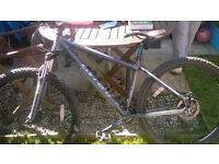 Carrera Vengeance Mens Mountain Bike