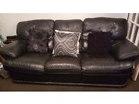 2 seater ans 3 seater sofas