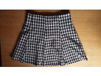Black and White skirt SOPHYLINE Size L