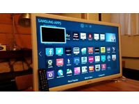 """Samsung 32"""" Smart ULTRA SLIM LED TV,built in Wifi,Freeview HD,Screen Mirroring,EXcellent condition"""