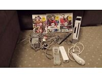 Nintendo Wii Console with games, remote and nunchuck Fifa Football and Boxing Games
