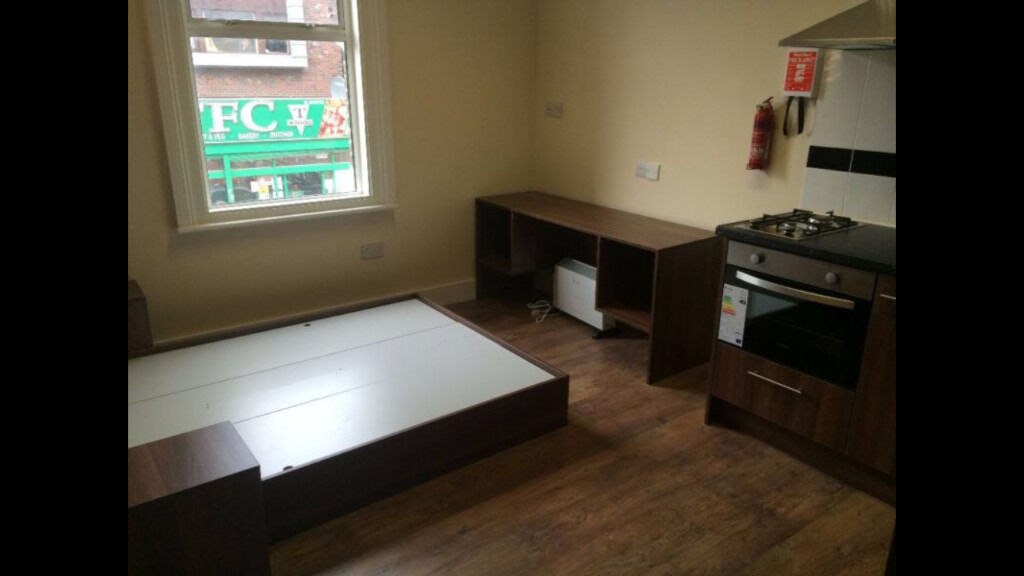 All-Bills-Included Newly Refurbished and Fully Furnished Studio Apartment Croydon