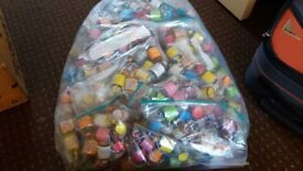 Party Poppers 200 + Good Condition