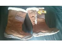 CATERPILLAR WOMENS BOOTS SIZE 5 BRAND NEW