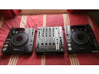For sale job lot: 2x Pioneer CDJ 1000 MK3, 1x Pioneer DJM 750-K, includes all cables and boxes