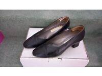 Ladies footwear, size 8