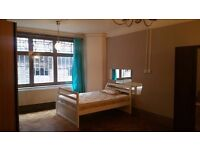 NW1 - 2 WEEKS RENT FREE - IDEAL FOR 3 OR 4 SHARERS