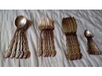 Vintage Oneida Silverplated Cutlery Set