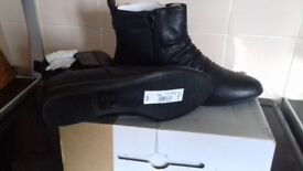 Lovely Brand New Womens Boots