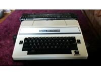 Brother Super 7300 Typewriter / Vintage retro collectable kitsch office