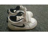Boys White Nike Trainers size 7 infant