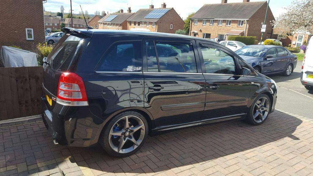 2009 vauxhall zafira vxr black 300bhp priced to sell in. Black Bedroom Furniture Sets. Home Design Ideas