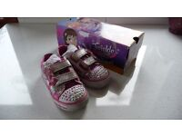 HARDLY USED GIRLS LIGHT-UP TWINKLE TOES SNEAKERS BY SKETCHERS – CLASSIC CHARMER STYLE IN HOT PINK