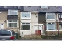 4 BEDROOMS HOUSE FOR RENT TO LET BRADFORD BD4 LILIAN STREET