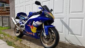 Yamaha R1 2000 Red Bull