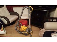 DYSON DC08 BAGLESS HOOVER CLEAN CONDITION