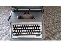 Typewriter (Retro)