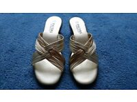 Ladies size 6 Pavers BRAND NEW 3 colour strappy sandals
