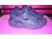 Nike huaraches Dark blue trainers UK 5.5 Great condition