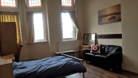 Self Contained and furnished studio Rooms available in Aston