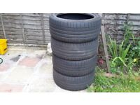Tyres for sale 2kumho and 2 dunlop 255/40 19