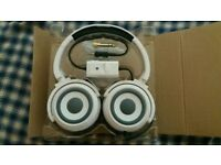 headphones and speakers in 1 Zumreed .
