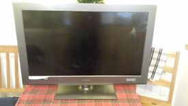 "BUSH BLCD32H8 32"" HD Ready LcD TV with broken screen - spares or repairs"