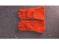 New welding glovers