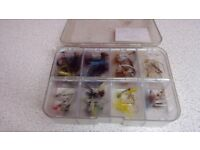 Fishing flies comes in a box in great condition
