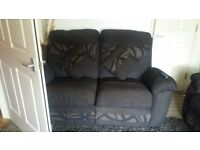 Looking to sell my 2 and 3 seater sofa, recliner