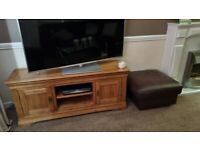 Solid Oak TV / Cabinet Stand.