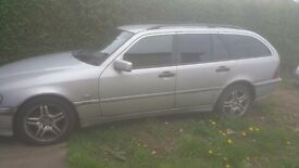 Meecedes c200 estate silver manual