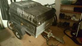 Trailer with lockable lid for sale