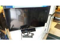 """Samsung 32"""" HD TV with Freeview"""