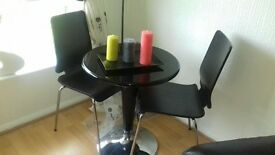 Black high gloss Dinning table 2 chairs