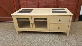 TV unit / storage unit with 2 drawers and 1 adjustable shelf in good condition