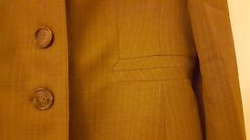 2 piece trouser suit in Taupe