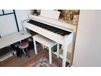 White Yamaha CLP-430 Clavinova Digital Piano