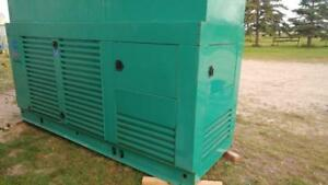 Cummins Power / Onan 350 KW Enclosed Stand By Generator, 600 Volts, Only 100 Hours, Model #:  DFCC-4489965
