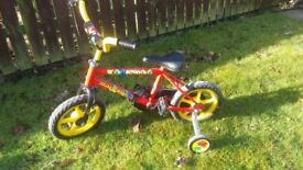 KIDS - GIRLS/BOYS RALEIGH BOUNCE BIKE - APPROX AGE 3-4 YEARS with STABILISERS - RED