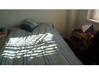 DOUBLE ROOM in Hemel Hempstead. £500pcm INCLUDING all BILLS. Available NOW Call 07855 069547
